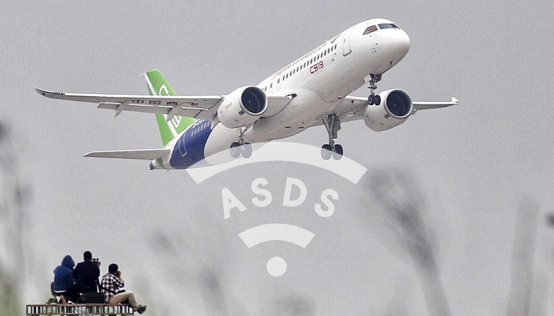 COMAC C919 first flight